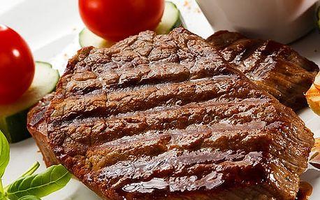 Vynikající XXL Mix Gril v restauraci Baba Jaga v Praze, steaky, domácí omáčky, brambory, placičky.