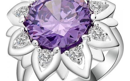 Dámský prsten s atraktivní květinou