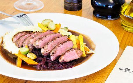 Zimní menu v zámecké restauraci Monâme