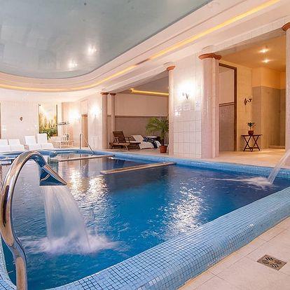 Pobyt v 4* zámeckém hotelu nedaleko maďarského jezera Hévíz s polopenzí a neomezeným wellness