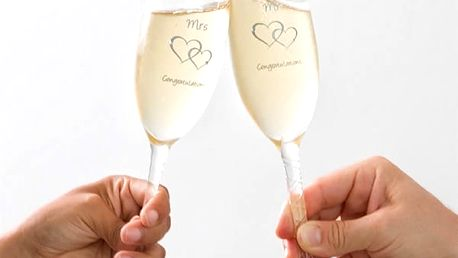 Skleničky Mr + Mrs Congratulations Romantic Items 2 kusy