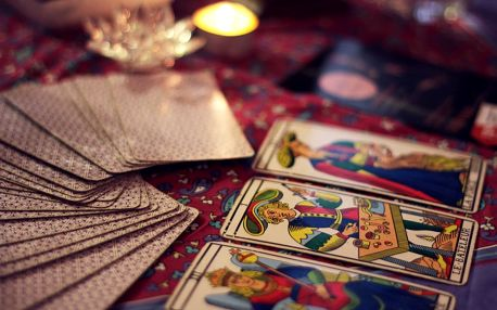 Novoroční výklad karet, podívej se co tě čeká v příštím roce