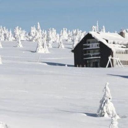 Horský hotel Dvorská Bouda, zima s polopenzí a saunou v Krkonoších