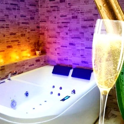 2–4denní romantický pobyt pro 2 ve wellness apartmá hotelu Excellent*** v Praze