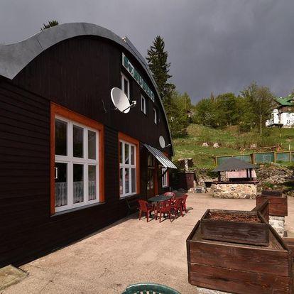 Jarní/letní Špindlerův Mlýn pro dva s polopenzí a saunou