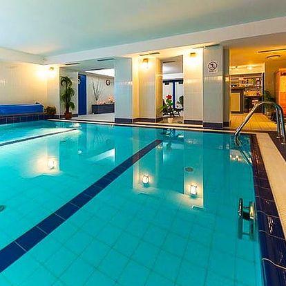 Hotel Tommy Congress and Relax Center***, Náchod - save 58%, Moderní wellness hotel s polopenzí v zámeckém stylu