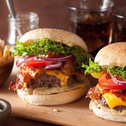 Americká klasika: burger, hranolky a Pepsi pro 2