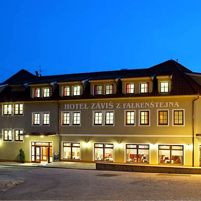 3denní pobyt ve 4* hotelu Záviš z Falkenštejna, snídaně, večeře, vstup na zámek, do ZOO ohrada.