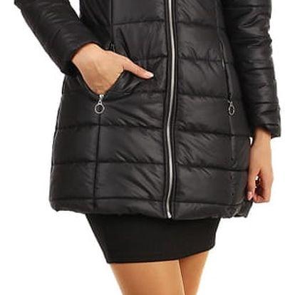 Dlouhá prošívaná bunda s kožešinou na kapuci