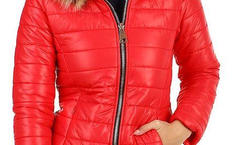 Prošívaná dámská krátká bunda s kožíškem červená