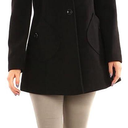 Krátký vlněný kabát s výraznými kapsami