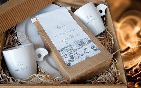Čerstvě pražená káva d´Elvert se dvěma šálky