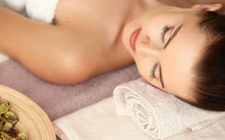 Relaxační masáž s celotělovým peelingem