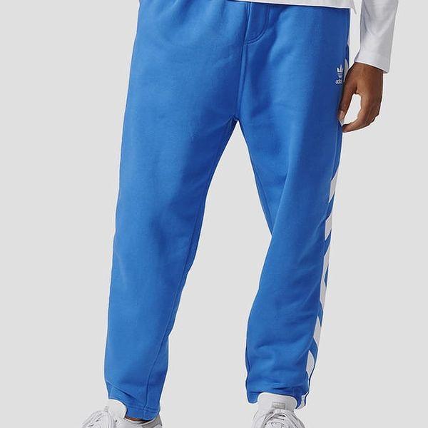 Tepláky adidas Originals NYC TAPER PANT Modrá