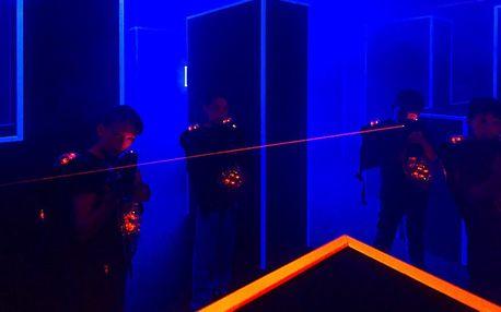 Napínavá hra laser game v aréně u Bořislavky