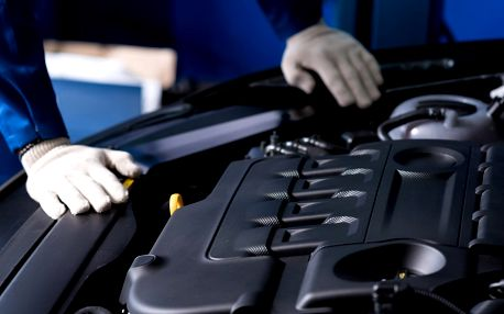 Zimní prohlídka auta nebo ošetření výhledu