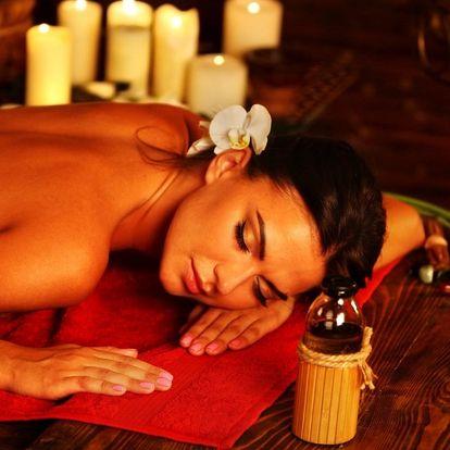 Terapeutická masáž zad s konopným olejem