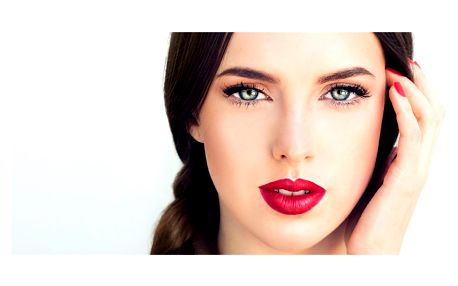 Permanentní make-up obočí nebo horních linek