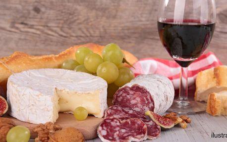 Litr vínka, nakládaný hermelín a klobáska