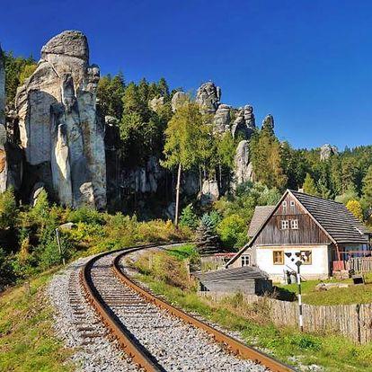 First minute: Nádherný Adršpach pohodově v chatkách s polopenzí – ideální pro rodiny a turisty
