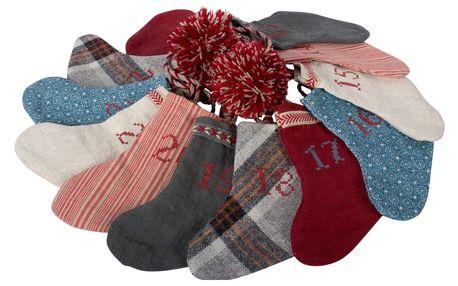 Maileg Textilní adventní kalendář v plechovém boxu - vánoční punčochy, multi barva, kov, textil
