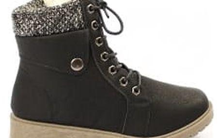 Zateplené dámské kotníkové boty černé