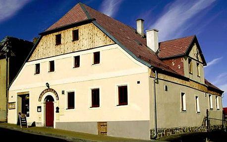 Pobyt pro dva v CHKO Slavkovský les v penzionu Plzeňka, polopenze, káva a dezert, horká čokoláda.