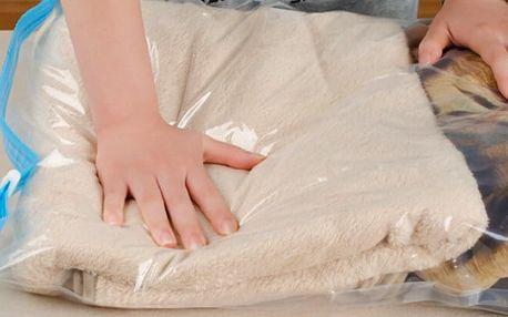 Sada tří vakuových pytlů k uskladnění prádla
