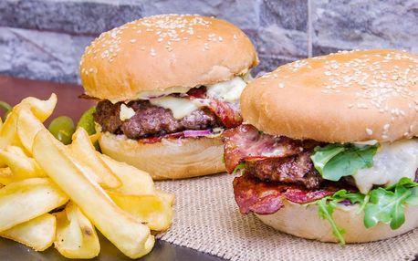 Burger pro dva z lokálních surovin s přílohou