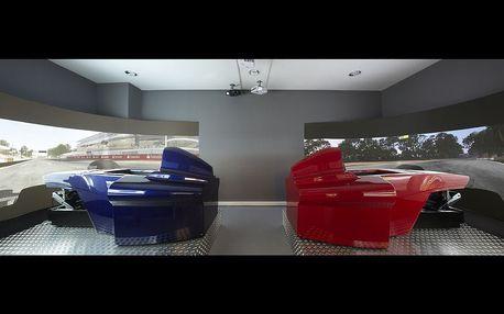 Závody Formule 1 pro dva (dva simulátory proti sobě)