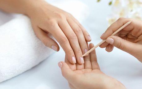 Manikúra klasik a gellak na přírodní nehty