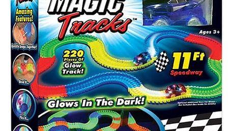Svítící autodráha Magic Tracks se závodním autíčkem