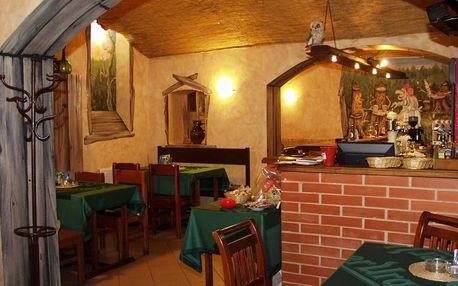 Kuřecí křidélka s chlebem či miniřízečky s hranolky a oblohou