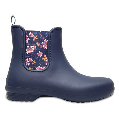 Holínky Crocs Freesail Chelsea Boot Navy/Floral