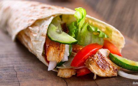 Tortilla dle výběru a nápoj v designové kavárně