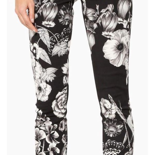 Desigual černé kalhoty s bílými květy Clau