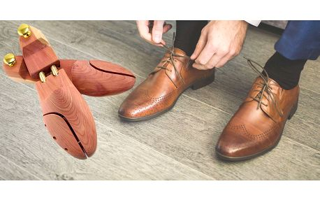 43% sleva na kvalitní cedrové napínáky obuvi