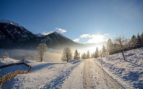 Landhotel Reschenhof****, 4* hotel v tradičním tyrolském stylu pod vrcholky Alp