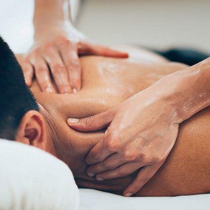 Intenzivní masáž zad, šíje a horních končetin