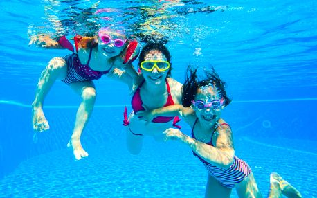 Hodinový pronájem bazénu až pro 6 osob