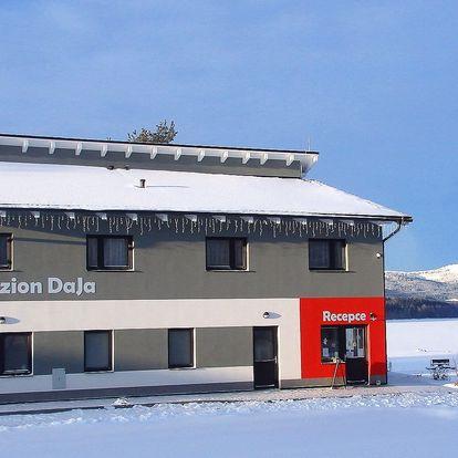 Zima na Lipně s polopenzí i lyžováním v Rakousku