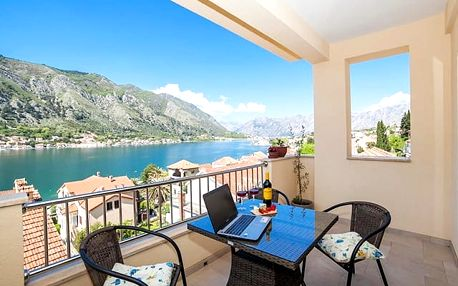 Apartments Castello****, Aparmán kousek od pláže i starého města v Kotorském zálivu