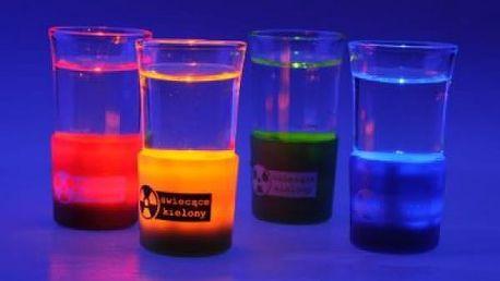 Radioaktivní svítící panáky