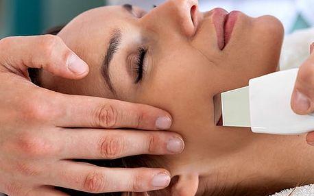 Diamantová mikrodermabraze obličeje a krku. Účinný a bezbolestný zákrok e Studiu High Care.