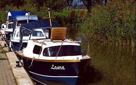 Jednodenní plavba na kajutové lodi po Baťově kanálu pro 2 osoby. Výborný tip na výlet!
