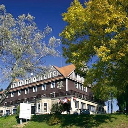 Wellness pro dva s polopenzí v 3*Spa Hotel Bílý Hořec v Harrachově na 3, 5 nebo 8 dní.