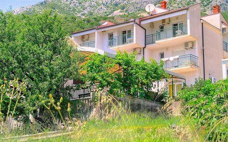 8–10denní Chorvatsko (Brist) | Pláž 30 m | DÍTĚ ZDARMA | Polopenze | Villa Jelena*** | Autobus -50 %