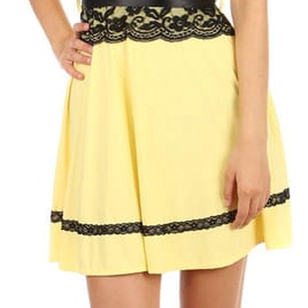 Krátké šaty s krajkou v pase černá3