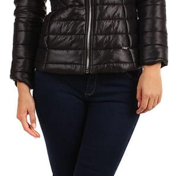 Prošívaná dámská krátká bunda s kožíškem tmavě modrá5