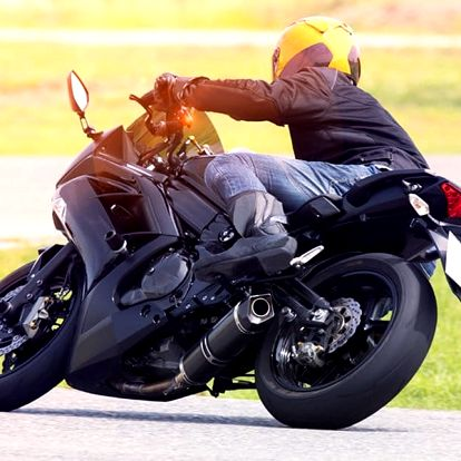 Naučte se ovládat motocykl jako profesionál